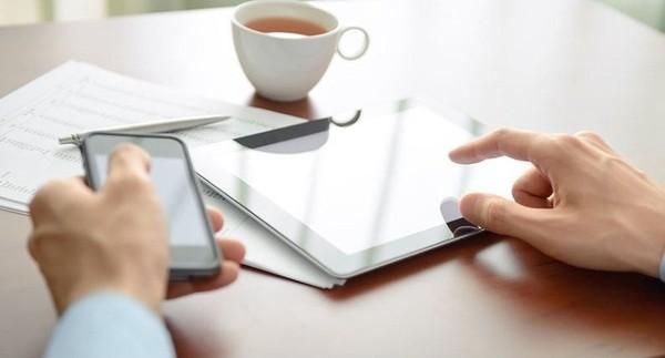 I giovani scelgono il conto online, tra risparmio e tecnologia