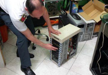 Catania: smantellata una centrale di masterizzazione e sequestrati oltre 3 mila CD/DVD. Denunciato un responsabile