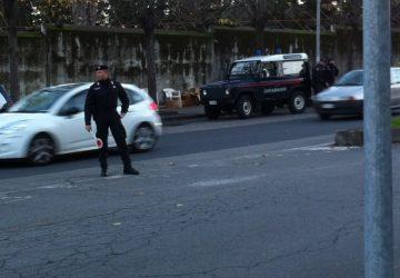 Giarre, non si ferma all'alt dei Cc, dando vita ad un inseguimento: bloccato e arrestato