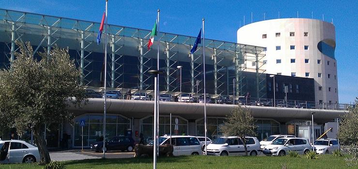 Catania, polizia di frontiera aeroportuale: indagata una donna per furto