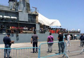 Sbarcati a Catania con una nave di Sos Mediterranee 105 migranti