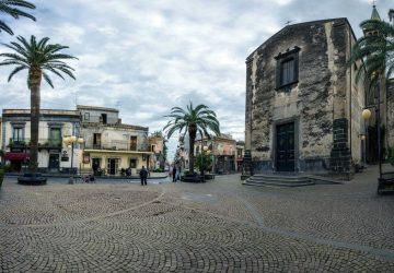 Calatabiano piazza
