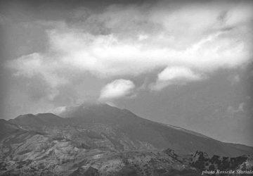 Etna: giovane si perde nei boschi, ritrovato dalla Forestale