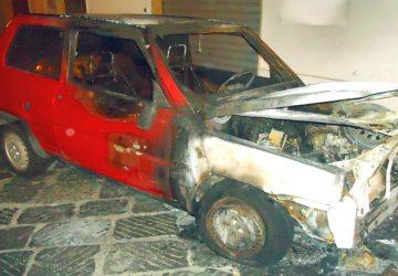 Francavilla: incendiata l'auto di un commerciante. Per lui si tratta di una vendetta
