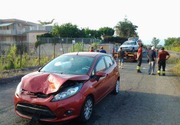 Fondachello, incidente in via Parallela: 4 feriti