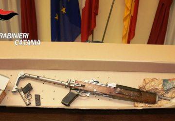 Catania: droga e armi a casa. Arrestato un 18enne