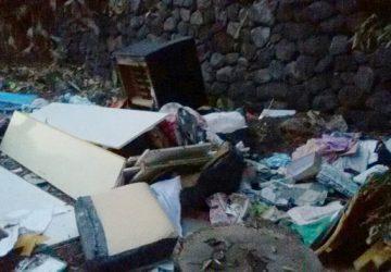 Riposto, sporcaccione beccato a scaricare rifiuti. Il sindaco: rispettare il decoro del territorio