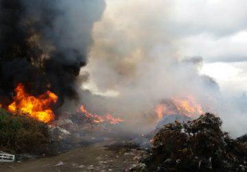 Giarre, ancora un incendio in via Foscolo