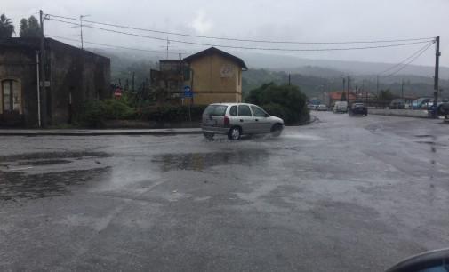Allerta meteo, allagate strade a Riposto e Mascali. Disagi a Fondachello  AGGIORNAMENTI