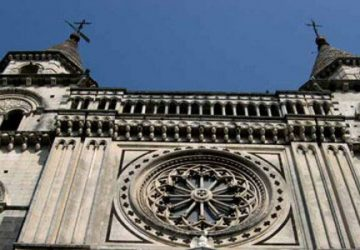 Sacerdoti della Diocesi di Acireale donano 50mila euro agli ospedali di Acireale e Giarre