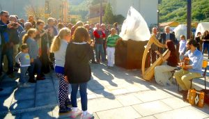 Francavilla di Sicilia, l'esibizione dei musicisti Federico Chiofalo e Ginevra Gilli all'inaugurazione del Parco Suburbano Madonna Gala