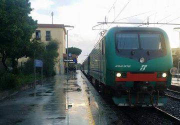 Treni tra Messina e Catania: ostacolo sui binari, ed è caos
