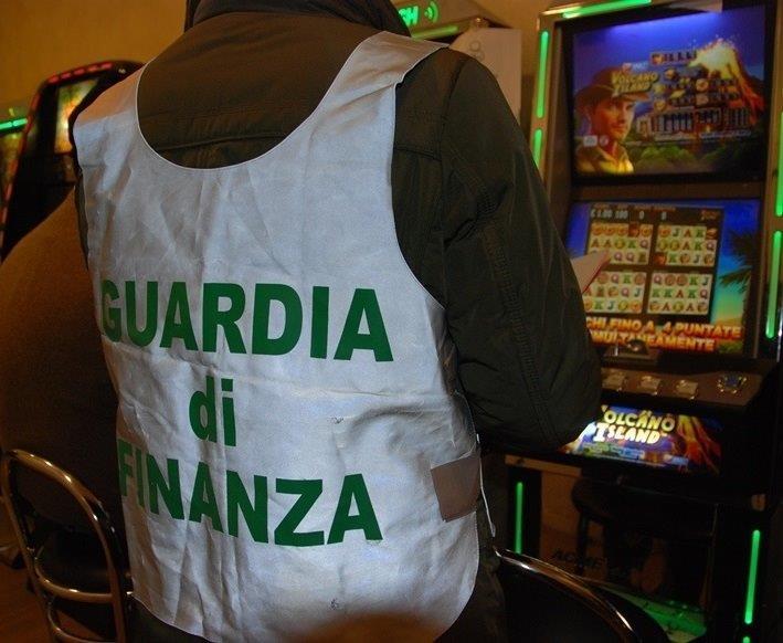Il gioco d'azzardo illecito sta venendo a galla