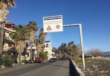 Mascali, vìola la sorveglianza speciale per un bagno a Fondachello: arrestato 36enne acese