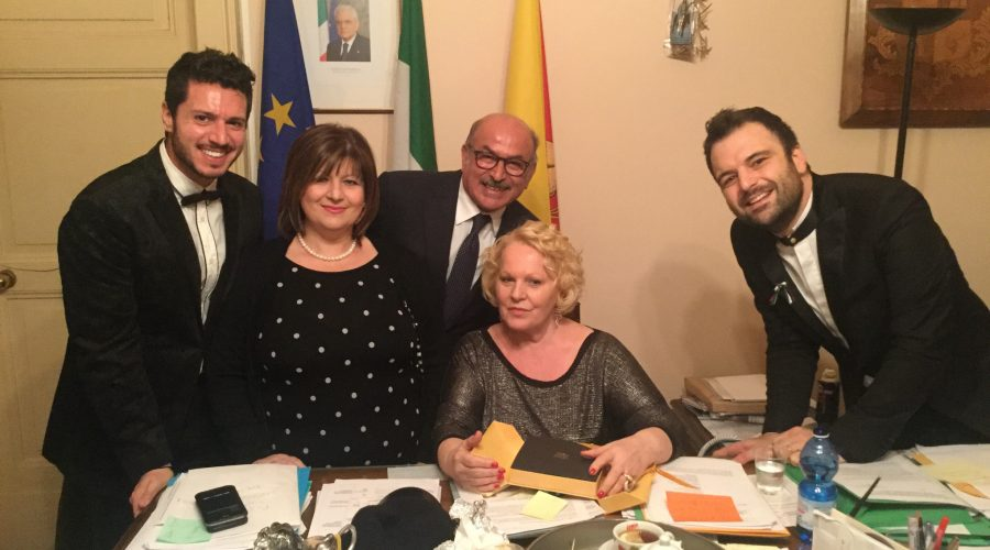 """Katia Ricciarelli a Riposto: """"Amate di più la vostra terra"""". VIDEO"""