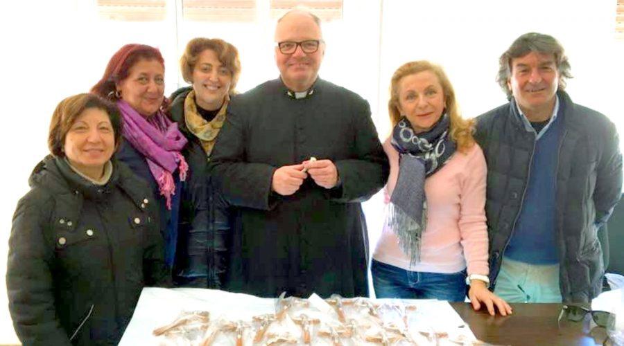 Francavilla, 25 Crocifissi in dono per le scuole