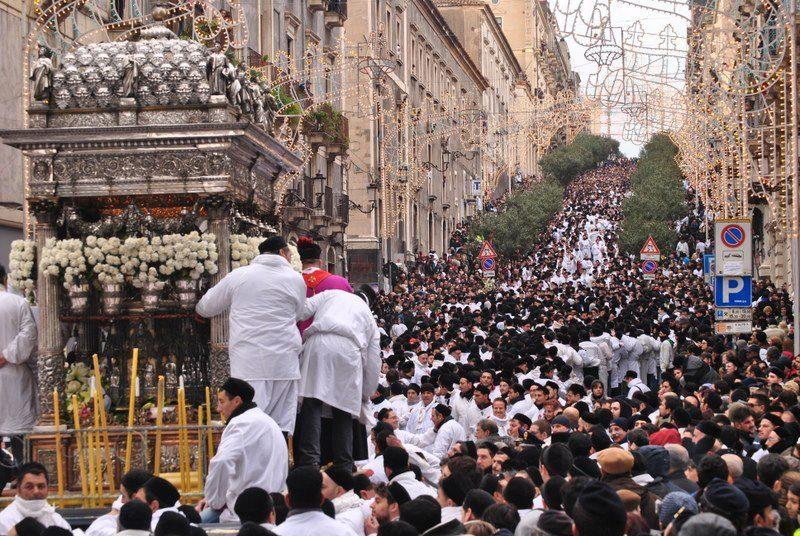 Catania, festa S.Agata, annullata salita San Giuliano. Feroci polemiche
