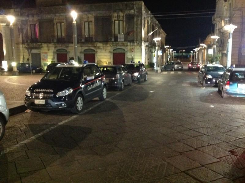 Riposto, carabinieri sventano un furto in abitazione, arrestati dopo un inseguimento