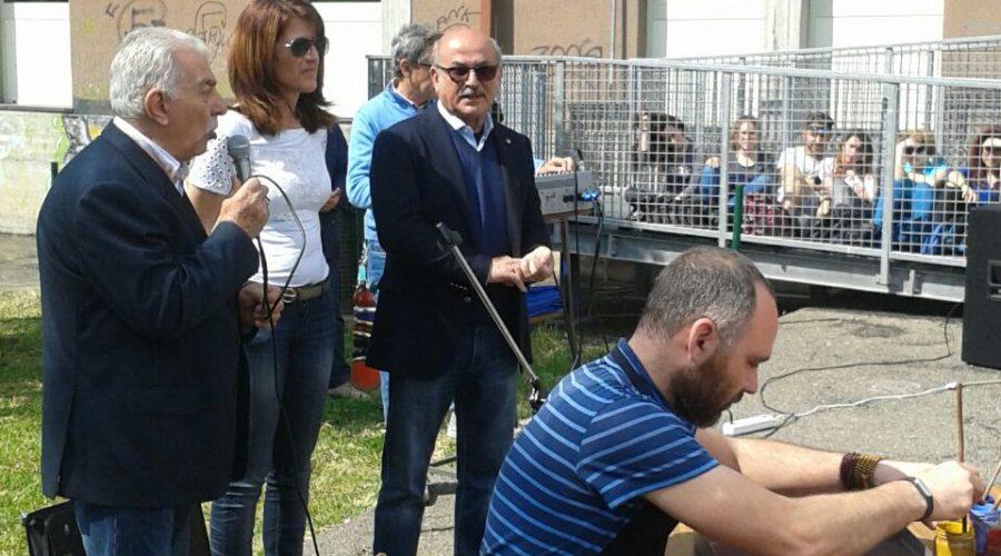 Al Liceo Artistico Guttuso dimostrazione artistica della tecnica turca Ebru