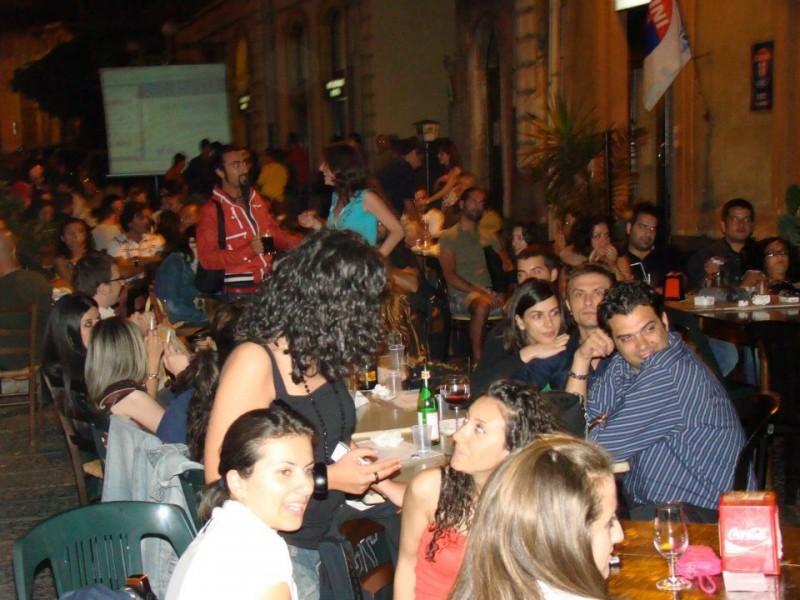 """Caffè concerto a Giarre: vincono burocrazia e immobilismo. Il regolamento """"Dehors"""" rimane utopia"""