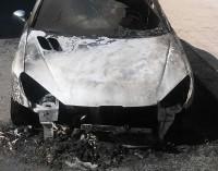 Mascali, incendio auto in via San Giuseppe