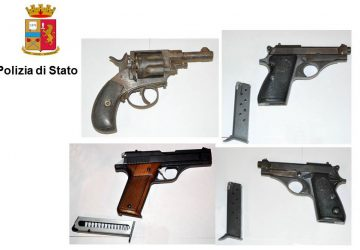 Catania: beccati con le armi nel pianoforte. Arrestati