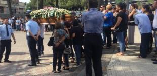 L'ultimo abbraccio di Giarre a Melania  VIDEO