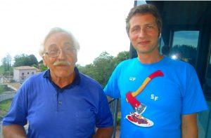 Da sinistra il Prof. Paolo Sessa, organizzatore degli eventi artistico-culturali di Milo, ed il fotografo Sebastiano Pavia