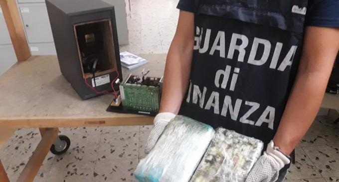 Sorpreso con 2,5 kg di cocaina a Catania, arrestato dominicano