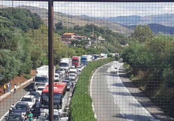 Autostrada A18: è caos. Emergenza ad Acireale: casello in ingresso chiuso