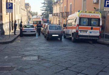 Tamponamento a catena in via Garibaldi a Giarre: due feriti lievi
