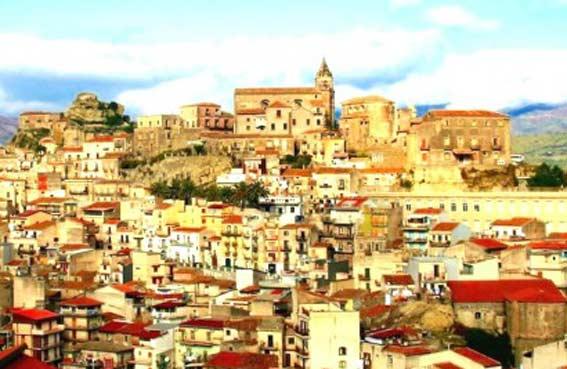 Castiglione di Sicilia: tutti i candidati a sindaco e Consiglio comunale