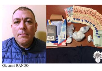 """Pedinato da Catania ad Aci Catena. Perquisizione in casa con sequestro di """"coca"""" e soldi"""