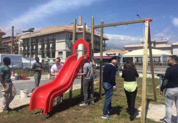 Riposto, allestita un'area ludica in piazza della Vittoria