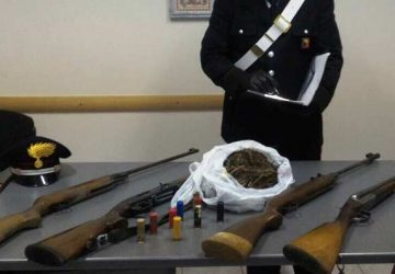 Mascali, ai domiciliari deteneva armi, munizioni e droga: arrestato