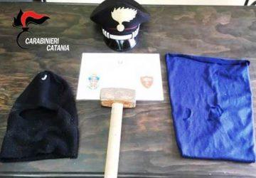Mascali: furto nella notte a tabaccheria. Carabinieri inseguono i malviventi e catturano 22enne di Giarre