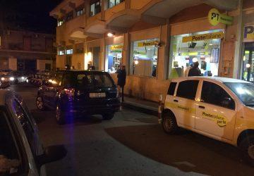 """Giarre, rubano auto alle Poste: inseguimento in via Romagna. I malviventi speronano """"gazzella"""" dei Cc. Due arresti"""
