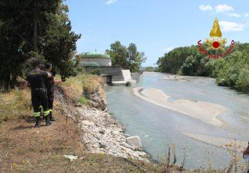 Giardini Naxos: trovato il cadavere di un uomo nel fiume Alcantara. Identificato: era un turista svedese