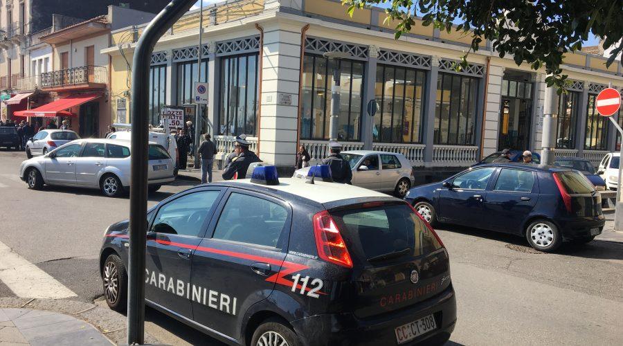 """Riposto, nuova operazione interforze per contrastare ambulantato """"selvaggio"""" in piazza del Commercio"""