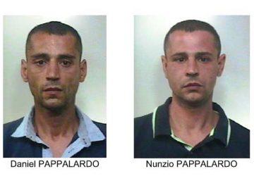 Rapinano farmacia a Paternò: in manette due fratelli