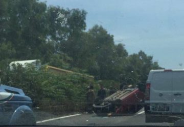 Autostrada A18 paralizzata dopo lo svincolo di Acireale per un grave incidente: 4 feriti