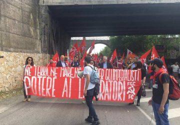 Manifestazione antagonista al G7 a Giardini Naxos: iniziano i primi scontri VIDEO