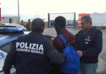 Catania, espulso tunisino in contatto con Amri VIDEO