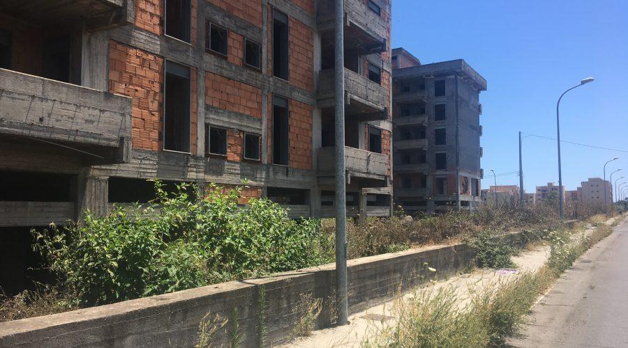 Giarre, quartiere Jungo, elevato rischio di incendi  FOTO