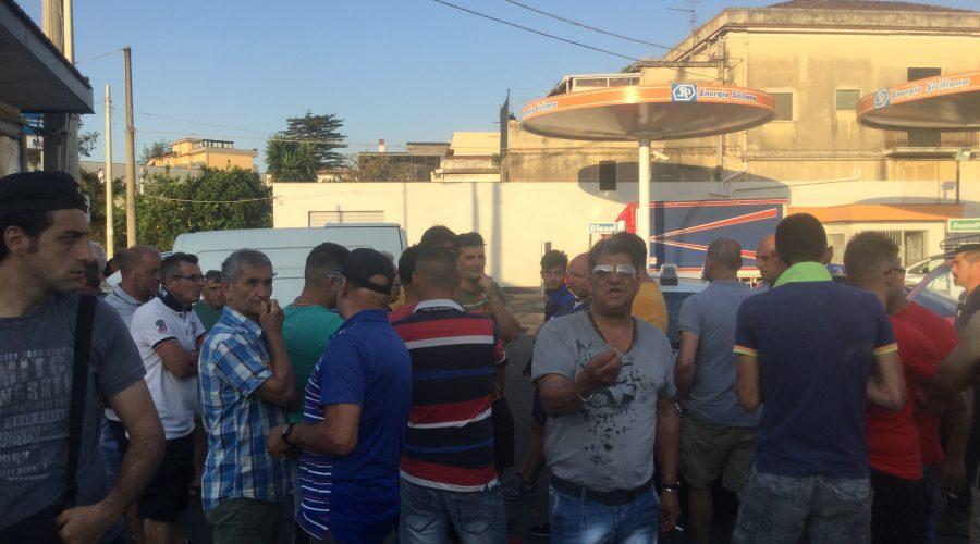 Giarre, protesta degli ambulanti: denunciati in 21 per violenza privata