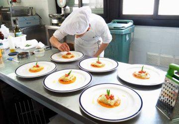 """Borsa di studio ad un alunno dell'IPSSEOA di Giarre per """"La lasagnetta"""""""