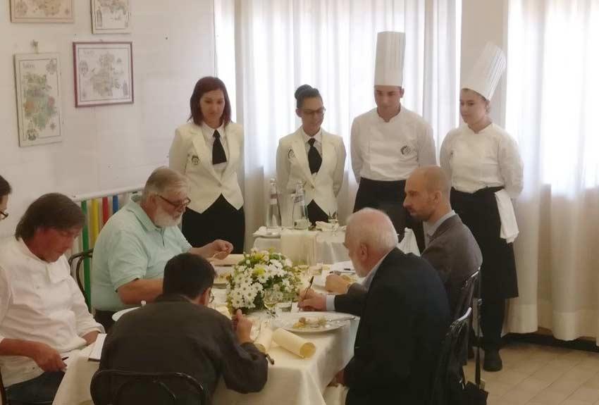 """Gli alunni dell'Alberghiero di Giarre al premio """"Mario Rigoni Stern"""" di Asiago"""
