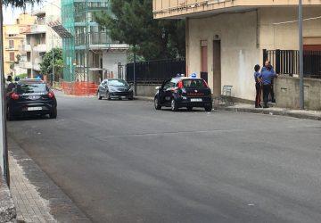 Giarre, manca l'acqua ed esplode la sommossa al centro immigrati di via Cusmano: intervento dei carabinieri