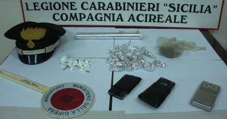 Servizio antidroga ad Aci Castello: in manette due pusher