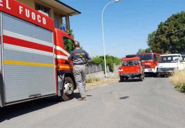 Randazzo, incendio in collina: salvati alcuni cavalli VIDEO